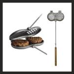 Doppelter Burgergriller aus Gusseisen, mit Stiel und Holzgriff